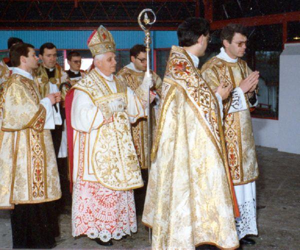 Liturgia Matrimonio Rito Romano : I pontificali nel rito romano antico